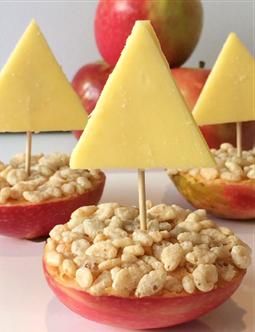 crunchy-apple-boats
